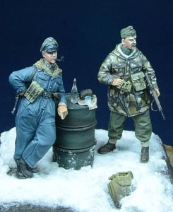D-DAY MINIATURE 35009 - 1:35 Side by side - Hungary 1945