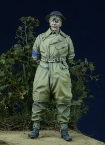 D-DAY MINIATURE 35011 - 1:35 British Military Policeman 1943-45