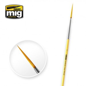 AMMO MIG 8591 - Liner Brush 1 - brush with elongated bristles.
